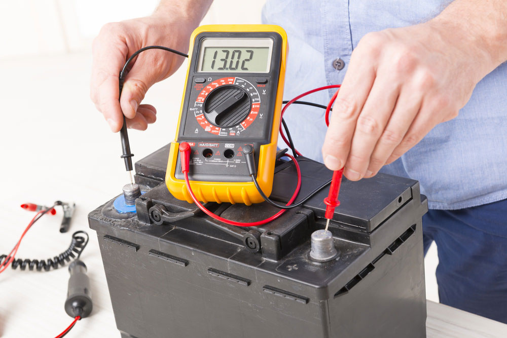 Checking the terminal voltage of a lead acid battery